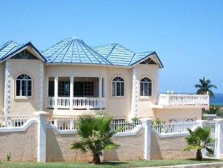Fabulous Luxury Montego Bay Villa  with   breakfast