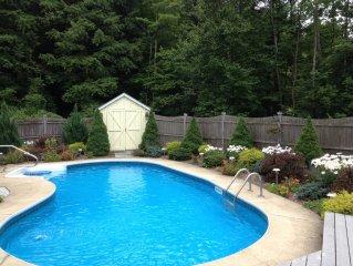 Beautifully Modern Home - Pool Summer & Ski Winter (Mins away)