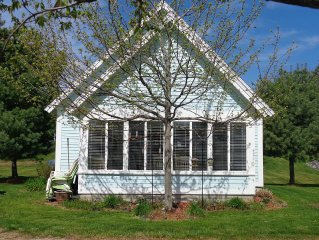 Beautiful Cozy Cottage  Available Aug 26 thru Labor Day