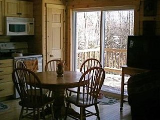 Newly constructed log home, charming all season retreat in Island Pond