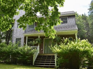Sunny, Cheerful, Tranquil Cottage Near Acadia, Bar Harbor, & More