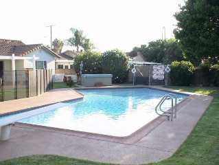 Disney area- private fenced pool & spa- All the amenities of HOME