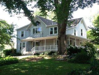 Beautiful Furnished Home Inside Beltway (Falls Church/Arlington area) mins to DC