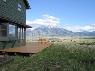 Gorgeous Views, Big Hot Tub, 2 Fireplace, Big Scrn TV, Spacious Rooms, Huge Deck