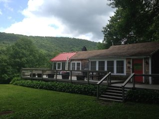 Beautifully Renovated Catskills Cottage! Pet Friendly!