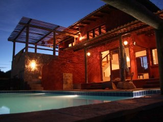 Quiet dreamhouse in trendy Pipa, with private pool and oceanview