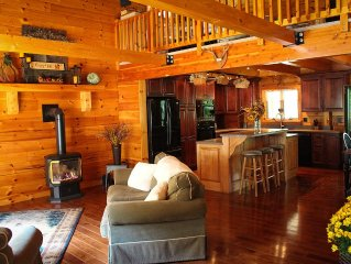 Stunning Modern Log Cabin In Tioga Mountains-Catered Dinners Available