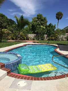4/2 Boca Raton Home with Heated Pool (sleeps 8)