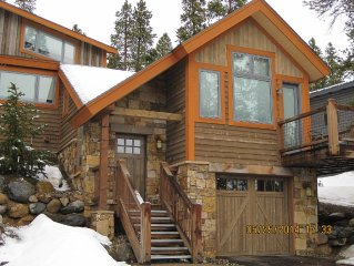 Hot Tub with Spectacular Views of Breckenridge ** 3 Bed/2 Bath Townhome!