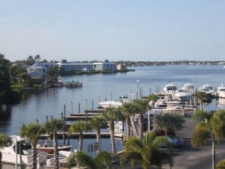 Waterfront Condo at Beau Mer~Nautical Themed, In Old Naples, Off 5th, Near Beach