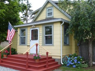 Cozy Bungalow Within 5 Min To Downtown Mystic, Seaport, Aquarium & Drawbridge