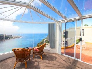 Ultimate Waterfront luxury extraordinary views only15 mins to City Cen