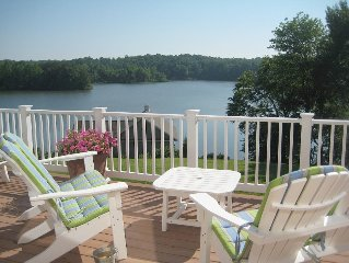 'Plentiful Bliss' - 6 BR Lakefront Home on Lake Anna, VA