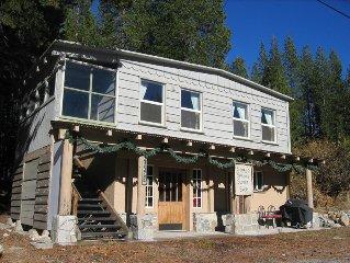 Soda Springs Cabin 5 minutes to SUGAR BOWL, ROYAL GORGE, DONNER SKI RANCH!!