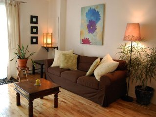 Lovely and quiet location near the Botanical Garden, 15 min downtown.