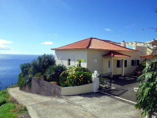 'Casa do Gabriel' spacious Madeirian villa with private garden and ocean view