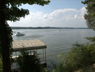 Nashville Lake Chalet, Waterfront with Unmatched Sunset View! Sleeps 6-7