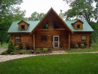 Cozy Log Home 'Sweetlife' 2 master suites with expansive deck and