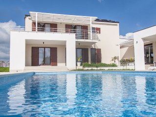 New Modern Villa with large private swimming pool in quiet area