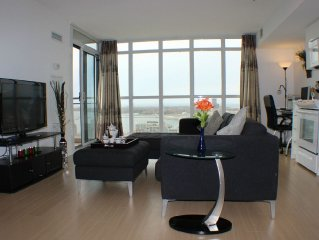 19th Floor-2BR2BA, Downtown&Lakeshore, Stunning View, Free Parking&WiFi
