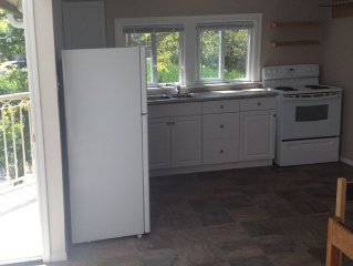 Vacation Cottage In The Heart Of Parksville. studio B