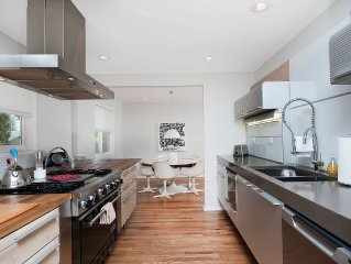 Ultra-Modern Chic, 20 minutes to Downtown Denver!