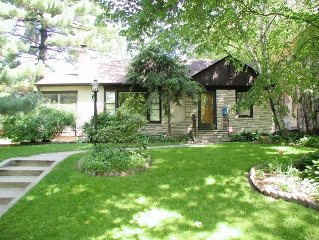 Parkway Beauty - Enjoy the best of quiet, comfy SW Minneapolis parkway living