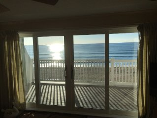 Beachfront Condo with live entertainment and 7 mile beach steps away