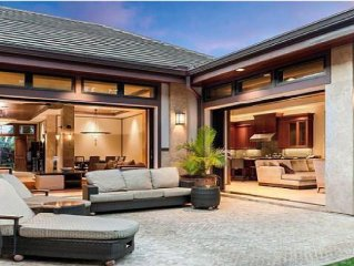 Private Tropical Maui Estate, Best Location, Pool, Outdoor Kitchen,AC,WiFI,Views