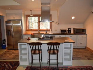 Modern Apartment; Easy Commute To Cornell University Or Ithaca College