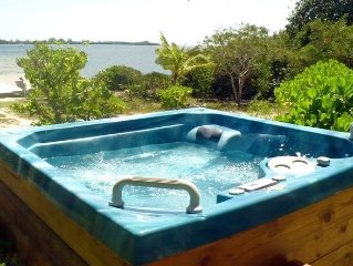 *Guaranteed Lowest Price! $1,395 Beach-Front, Hot Tub, Kayaks, Dock