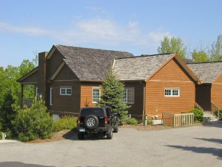 Beautiful Shanty Creek Condo, Quiet and Close to Everything!