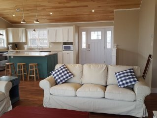 Brand New Oceanfront 5 Bedroom Home on Mahone Bay