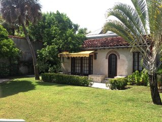 In town Spanish Style Guest House 100 Yards From The Beach