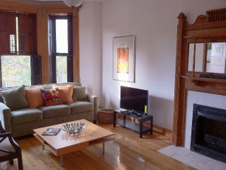 Beautiful one bedroom apartment w/ den in Historic Stuyvesant Heights!