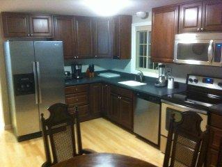2016 Renovation: House, Bumper Pool, Flatscreens, Firepit, Bar, Linens Provided!