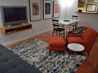 Comfy Apartment w/Parking.  Walk to Metro, Cafes, Restaurants, Nightlife.