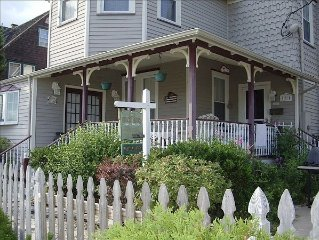*SPECIAL*Week 7/8 Available*3rd home to Beach, Victorian across Bicentennial Prk