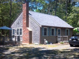 Dog Friendly Home Central to Ocean and Bay Beaches, Close to Bike Trail!