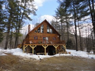 WHITE PINES ..PRIVATE LOG CABIN 15 MIN TO SUNDAY RIVER W/SAUNA,FIREPLACE,WiFi