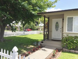 Beautiful, fully remodeled, 4 Bedroom House, 1 mile from Disneyland
