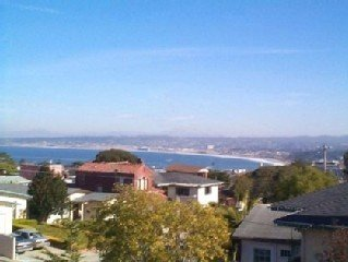 Delightful, Private, Cozy and Garage~Bay View Hideaway in Old Monterey