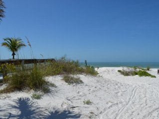 Steps to Beach - 3 Bedrm, 2 Bath - Sleeps 8 - Pet Friendly
