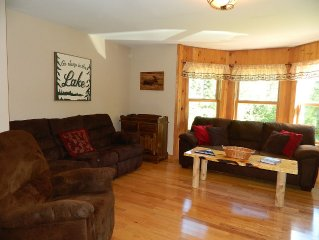 Beautiful, Private Home, 4 Miles from Flagstaff Lake! Minutes to hiking trails!