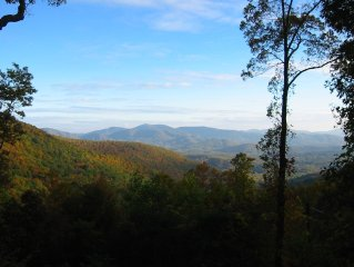 Mountain House Near Asheville, Spectacular Views, Private