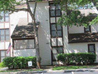 Beautiful One Bedroom Condo Near Intercoastal Waterway And Only Minutes To Beach