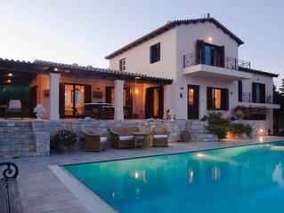 Luxurious Villa At Cape Sounio