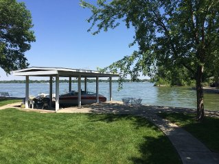 Virgil's Lakefront Cottage - Prime August and September weeks still available!