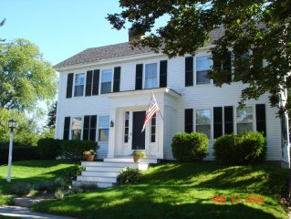 Classic In-Town Sea Captain's Home - Great Fall Escape too!