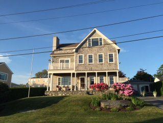 Water Views, Walk to beach! 4 bdrm Home + 1 bdrm separate Cottage!